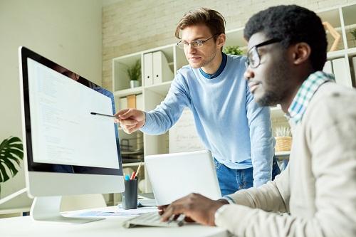 Academiste se former aux métiers du web en ligne